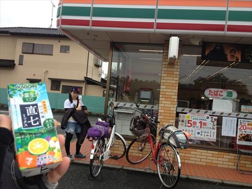 長浦駅前のコンビニ